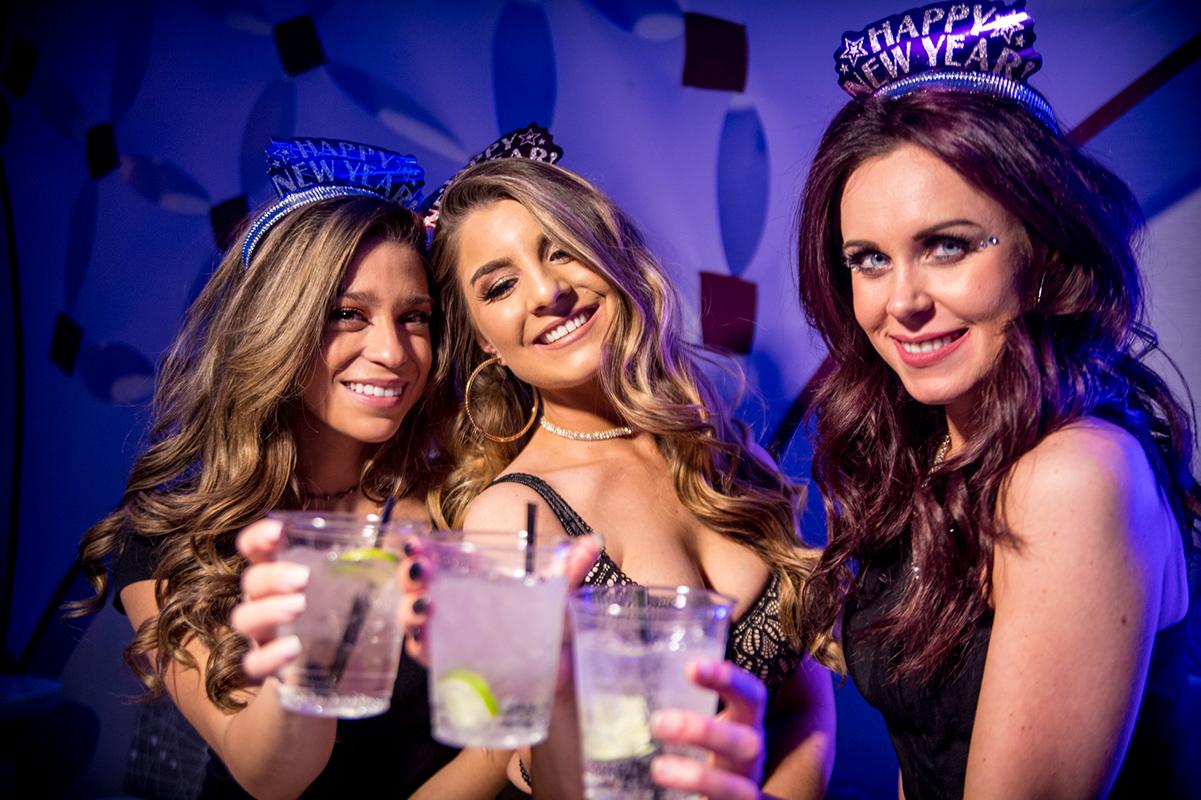 open bar downtown denver nye party